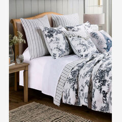 Classic Toile Quilt Set by Greenland Home Fashions,