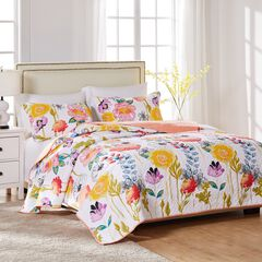 Watercolor Dream Quilt Set by Greenland Home Fashions, WHITE