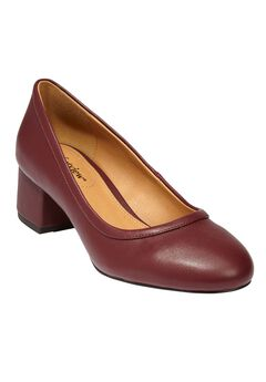 Clairey Pumps by Comfortview,
