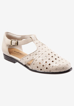 Leatha Open Weave Sandal by Trotters®,