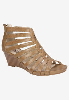 Victoria Sandal by Cliffs by White Mountain,