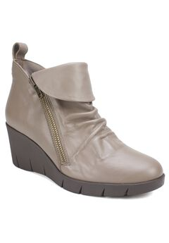 Penwood Bootie by Cliffs by White Mountain,