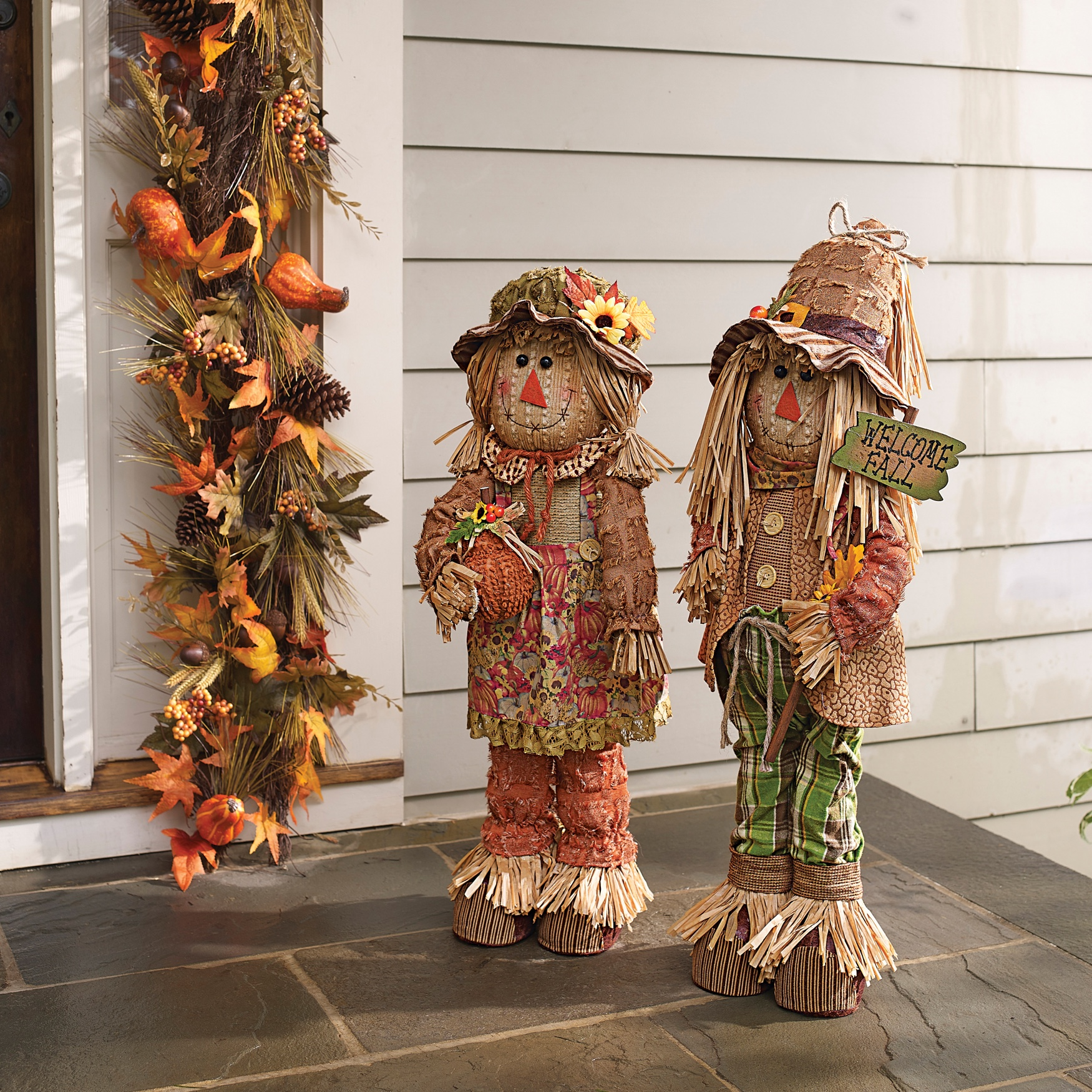 Scarecrow Couple, MULTI