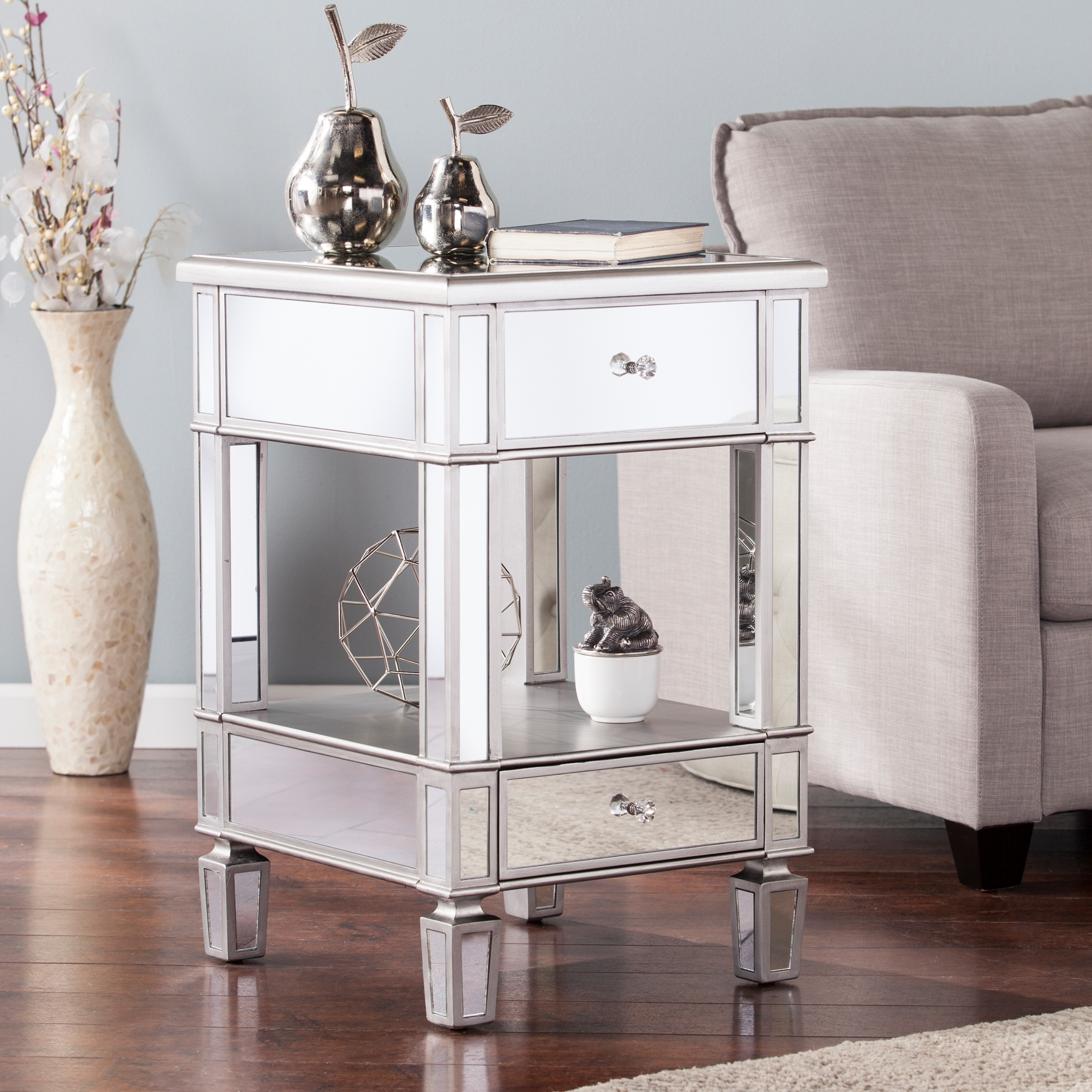 Wedlyn Mirrored Side Table, SILVER