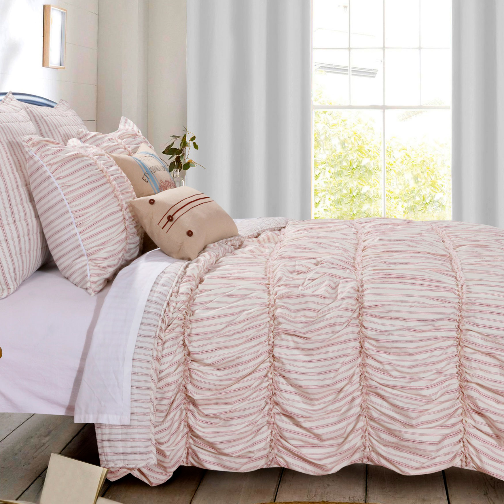Farmhouse Chic Quilt Set by Greenland Home Fashions,