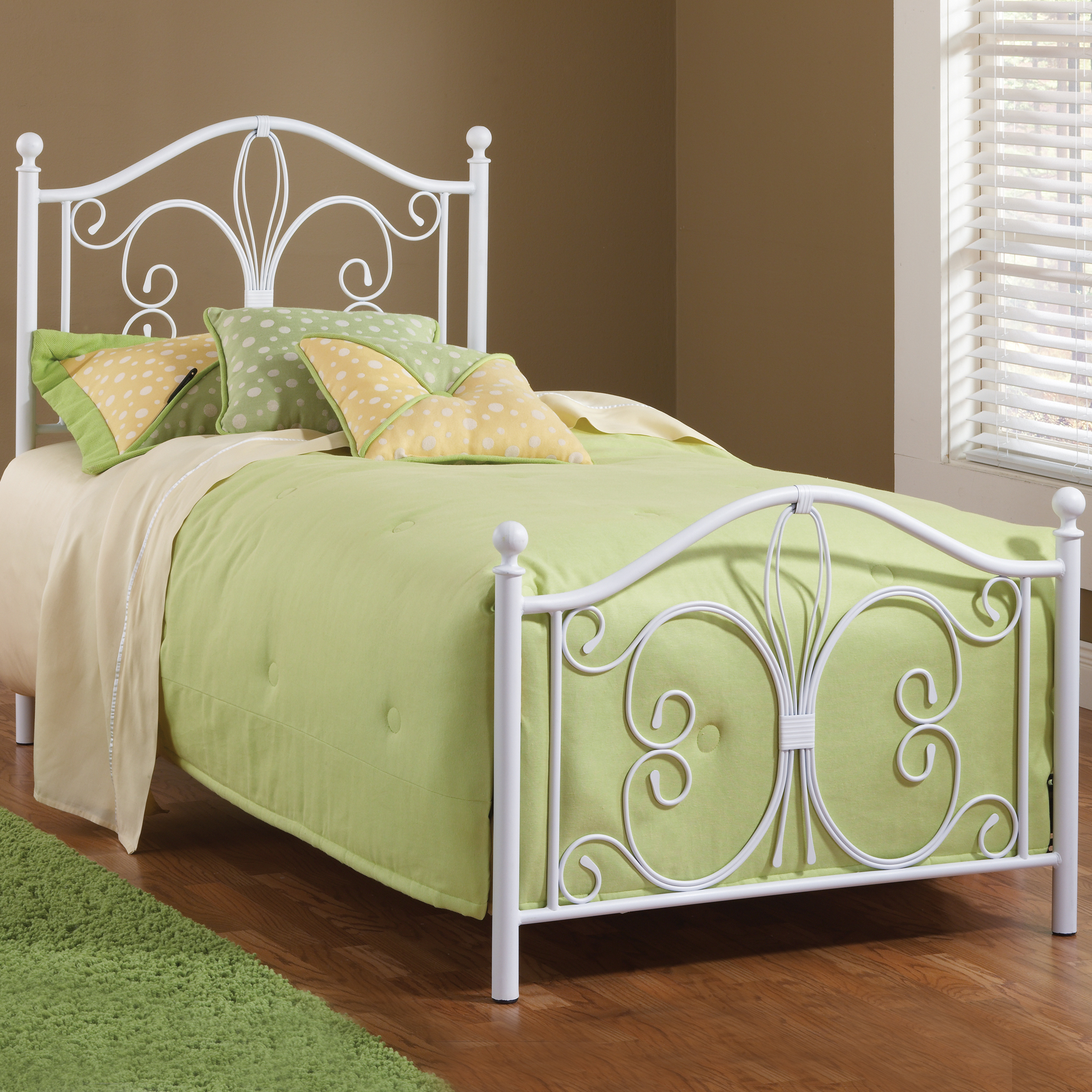 Hillsdale Ruby Twin Bed Set with Rails, WHITE