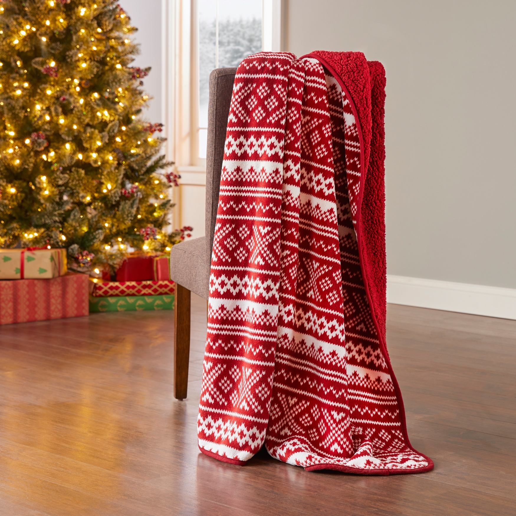 Holiday Printed Reversible Sherpa Throw, RED WHITE