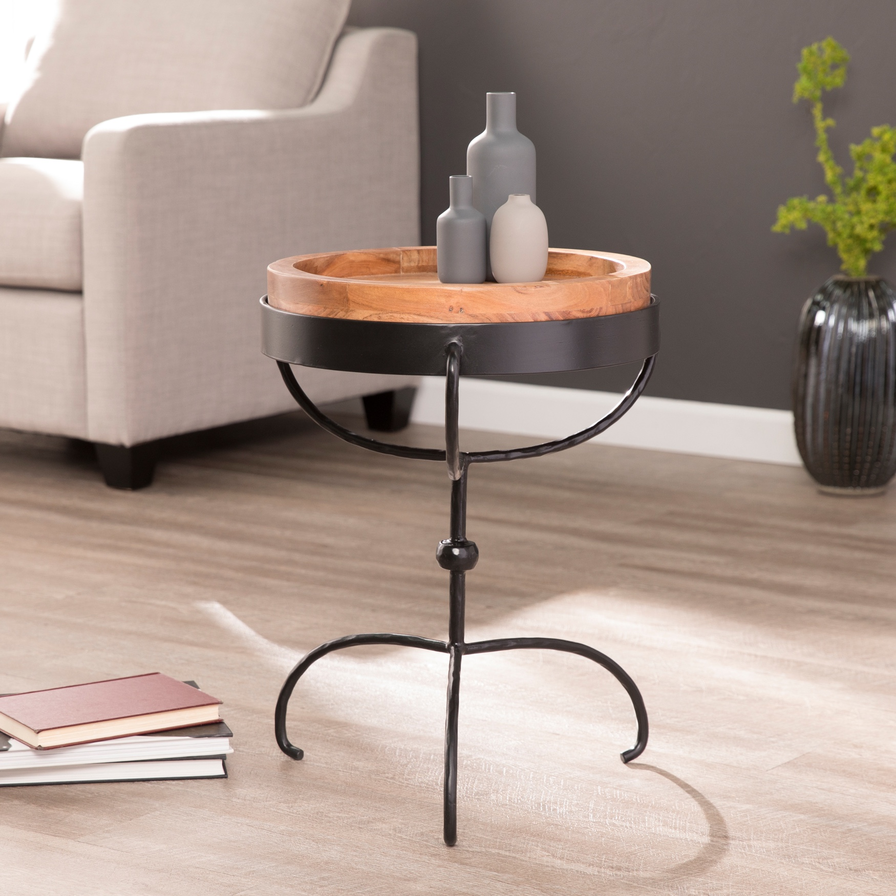 Chadra Round Accent Table with Serving Tray, BLACK