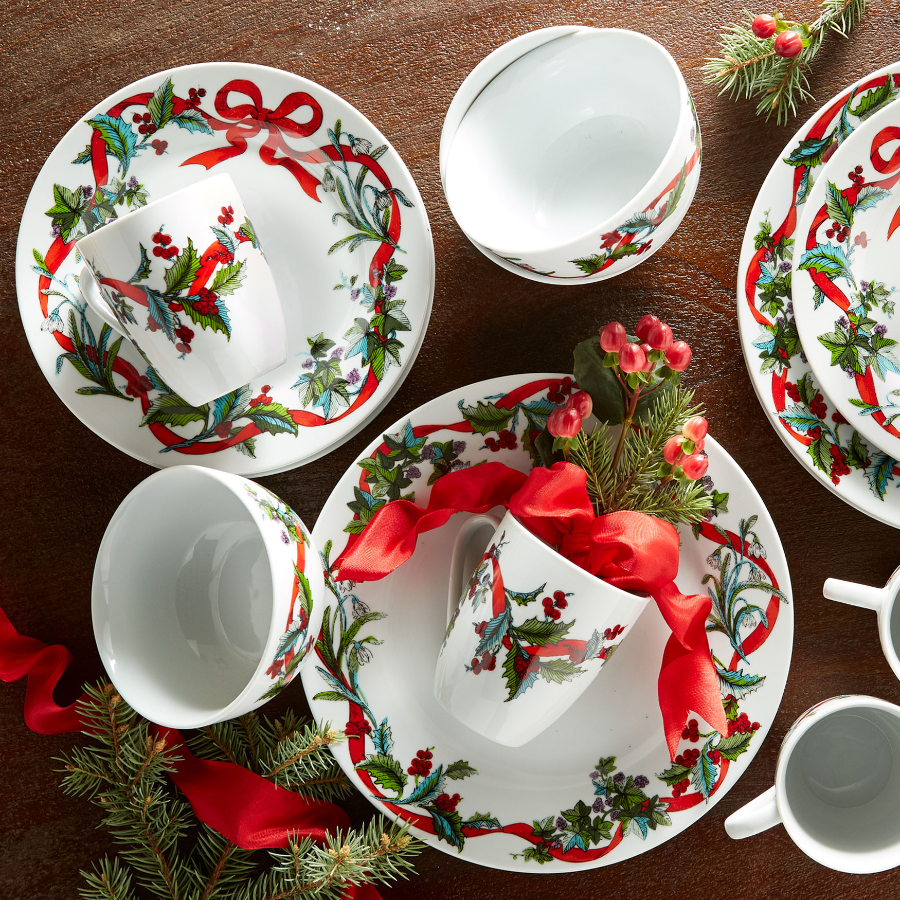 16-Pc. Christmas Dinnerware Set, WHITE